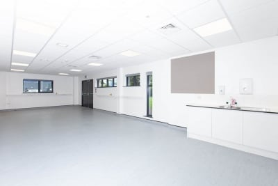 The combined office, lab and clean room spaces are configurable to meet your requirements.